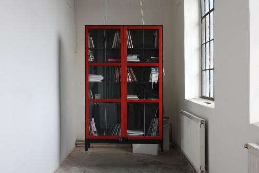 Levitující knihovna
